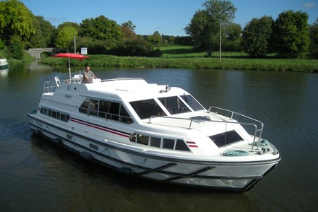 Albatros rental of licence-free barges on rivers and canals of France