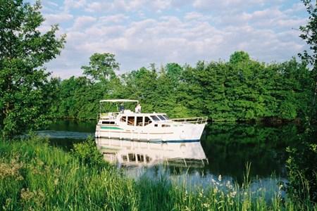 America 38 Hausbootvermietung ohne Führerschein auf den Flüssen und Kanälen in Frankreich