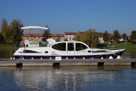 America 43 Excellence tourisme ballade france vacance bateau vedette peniche penichette