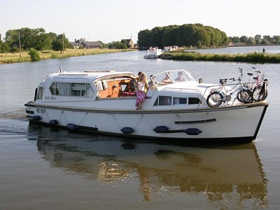 Belle Fleur rental of licence-free barges on rivers and canals of France