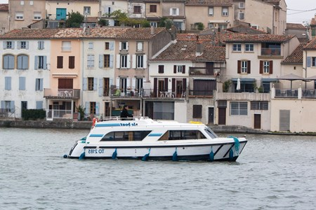 Cirrus B rental of licence-free barges on rivers and canals of France