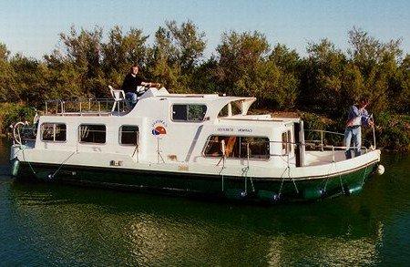 Eau vive turismo paseos Francia vacaciones barco lancha a motor chalana gamarra