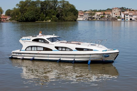 Elegance rental of licence-free barges on rivers and canals of France