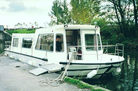 Espade 1230 Handi rental of licence-free barges on rivers and canals of France