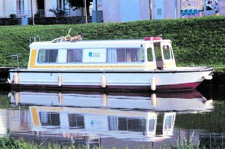 Espade 930 turismo paseos Francia vacaciones barco lancha a motor chalana gamarra