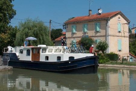 Euroclassic 129 rental of licence-free barges on rivers and canals of France