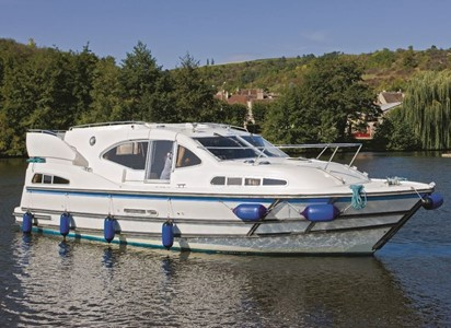 Europa 300 rental of licence-free barges on rivers and canals of France