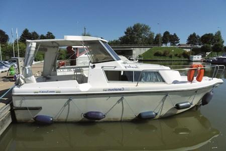 Fred 700 croisiere location bateau habitable navigation vacance peniche penichette