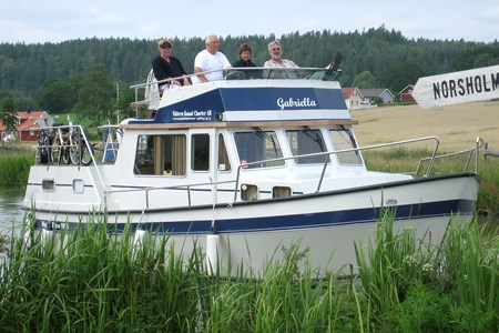 Gabriella rental of licence-free barges on rivers and canals of France