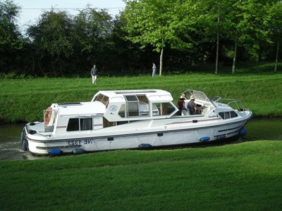 Goeland rental of licence-free barges on rivers and canals of France