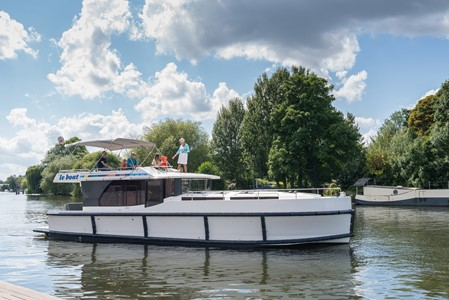 Horizon 3 rental of licence-free barges on rivers and canals of France