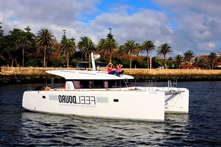 Lagoon 39 Muscat (avec skipper) rental of licence-free barges on rivers and canals of France