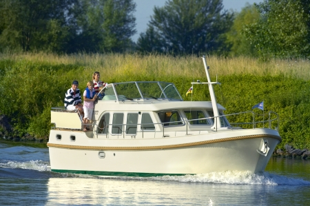 Linssen 33.9 AC rental of licence-free barges on rivers and canals of France
