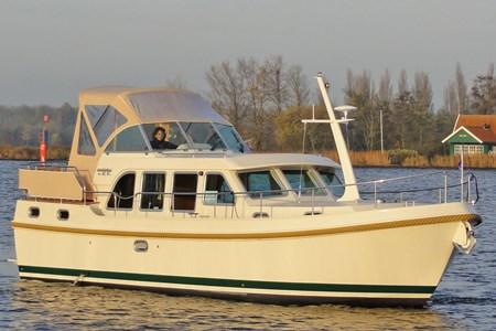 Linssen 33.9 AC F croisiere location bateau habitable navigation vacance peniche penichette