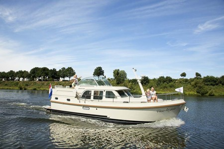 Linssen 35.0 rental of licence-free barges on rivers and canals of France