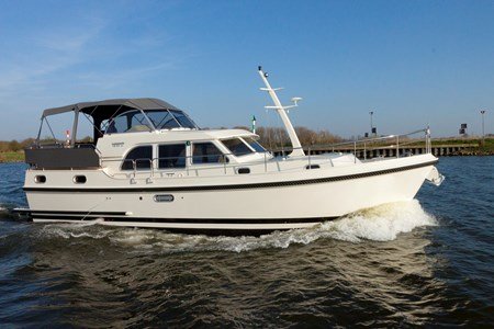 Linssen 40.9 AC rental of licence-free barges on rivers and canals of France