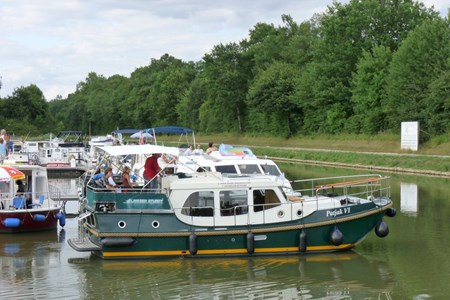 Linssen Evergreen 32 SP rental of licence-free barges on rivers and canals of France