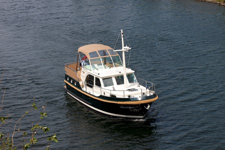 Linssen Sturdy Classic 32 AC rental of licence-free barges on rivers and canals of France