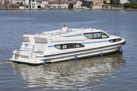 Magnifique rental of licence-free barges on rivers and canals of France