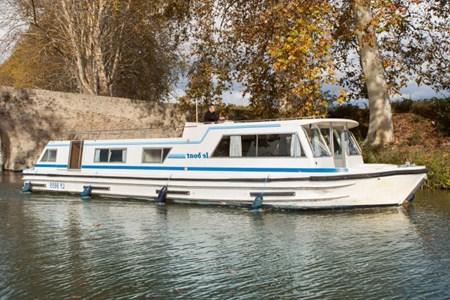 Millau 1415 FB tourisme ballade france vacance bateau vedette peniche penichette