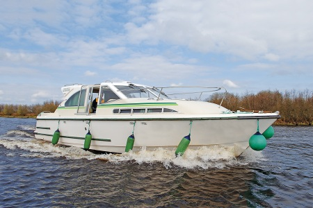Mountain Star rental of licence-free barges on rivers and canals of France