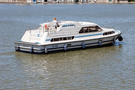 Nautilia rental of licence-free barges on rivers and canals of France