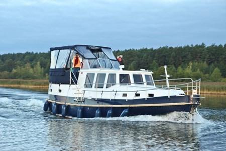 Nautiner 40.2 turismo paseos Francia vacaciones barco lancha a motor chalana gamarra