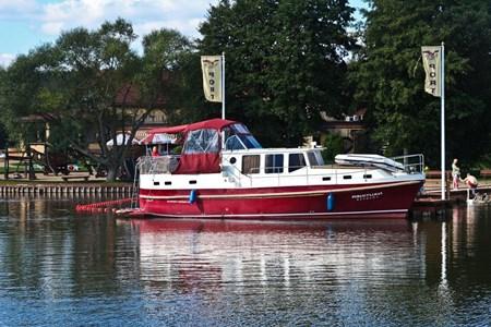 Nautiner 40.3 turismo paseos Francia vacaciones barco lancha a motor chalana gamarra