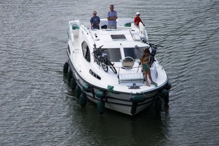 Navig 34S rental of licence-free barges on rivers and canals of France