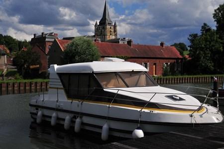 Nicols 1000 RCE tourisme ballade france vacance bateau vedette peniche penichette