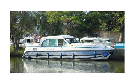 Nicols 1100 F rental of licence-free barges on rivers and canals of France
