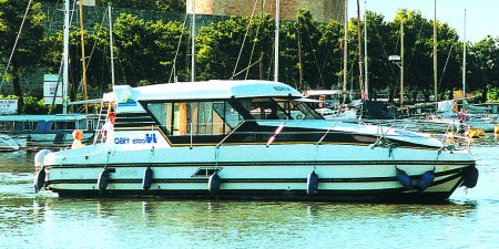 Nicols 1160 N rental of licence-free barges on rivers and canals of France