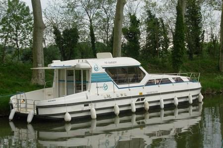 Nicols 1300 CN tourisme ballade france vacance bateau vedette peniche penichette