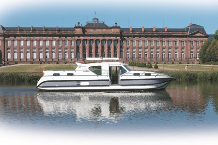 Nicols 1350 VIP Confort rental of licence-free barges on rivers and canals of France