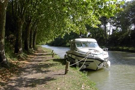 Nicols 800 CN tourisme ballade france vacance bateau vedette peniche penichette