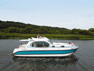 Nicols Quattro B rental of licence-free barges on rivers and canals of France