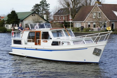 Palan DL 1100 rental of licence-free barges on rivers and canals of France