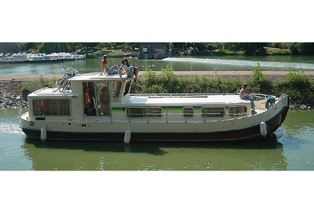 Pénichette 1107 W F rental of licence-free barges on rivers and canals of France
