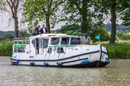 Pénichette 1180 FB rental of licence-free barges on rivers and canals of France