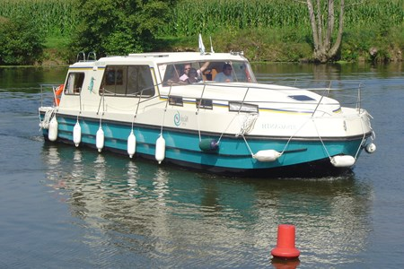 Riviera 1130 rental of licence-free barges on rivers and canals of France