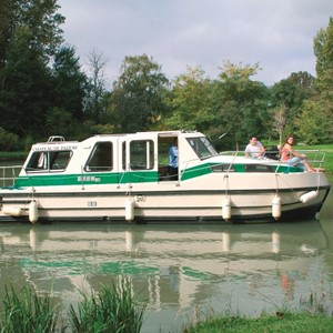 Riviera 920 LN rental of licence-free barges on rivers and canals of France