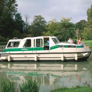 Riviera 920 LN alquiler de barcos habitables sin permiso en ríos y canales de Europa