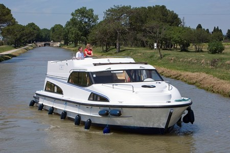 Royal Mystique B rental of licence-free barges on rivers and canals of France