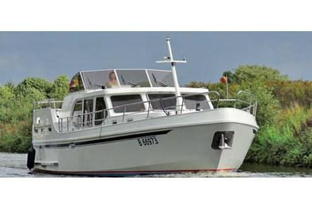 Ryna Cruiser 1400 tourisme ballade france vacance bateau vedette peniche penichette