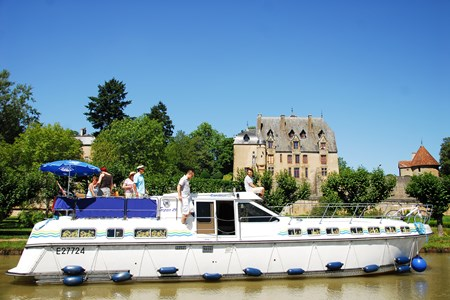 Tarpon 49 QP rental of licence-free barges on rivers and canals of France, Europe and Canada