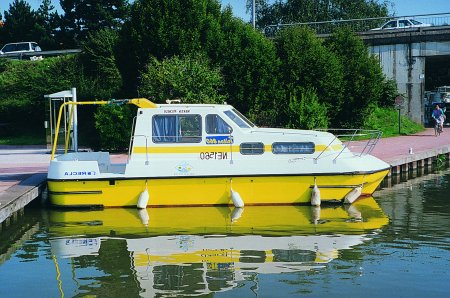 Triton 860 rental of licence-free barges on rivers and canals of France
