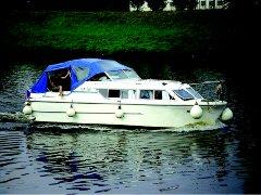 Viking 800 turismo paseos Francia vacaciones barco lancha a motor chalana gamarra