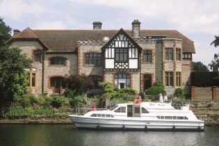 House-Boats rental Barging England
