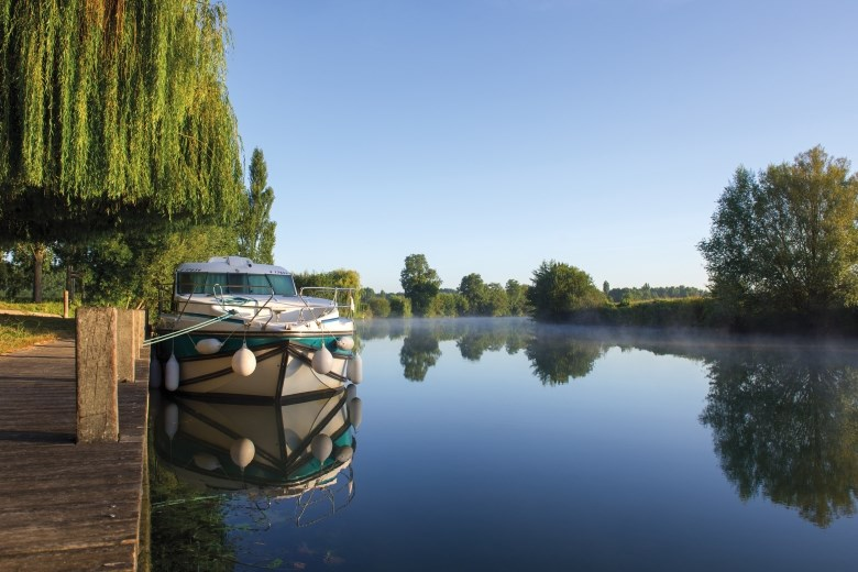 Charente in house-boats