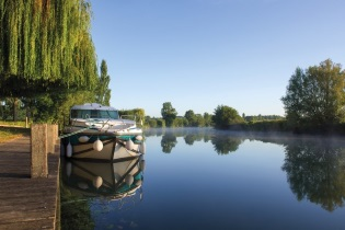 House-Boats rental Barging Charente